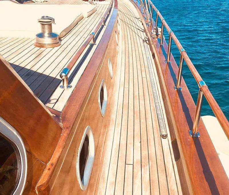 KAPTAN SEVKET Side deck