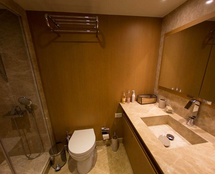 LE PIETRE Bathroom view