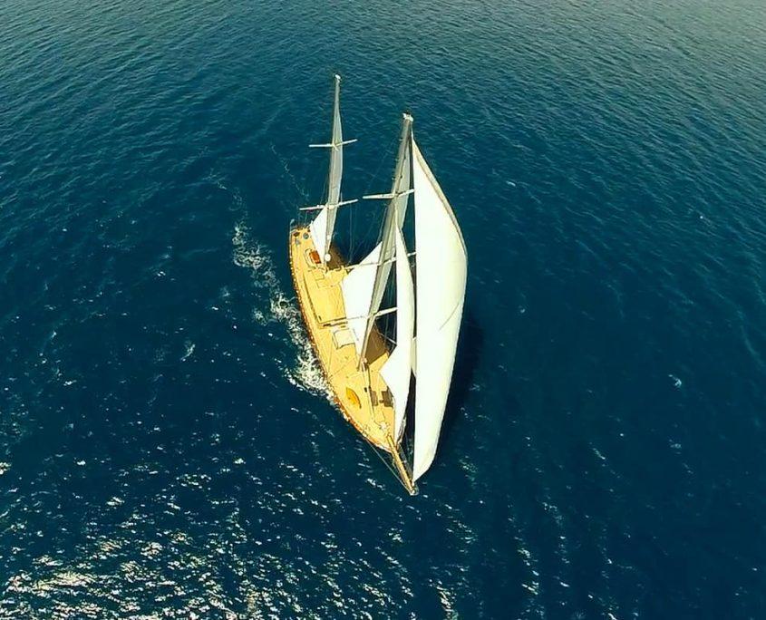 LE PIETRE Sailing