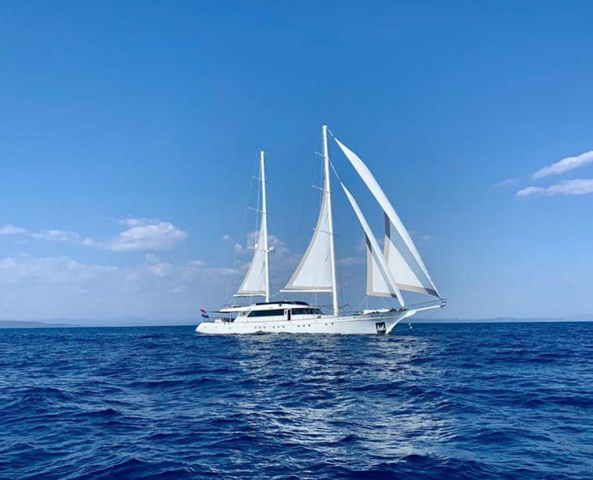 LADY GITA Sailing