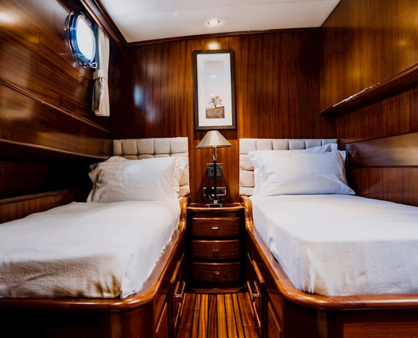 CAPRICORN 1 Twin cabin
