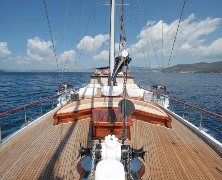 DULCINEA Front deck