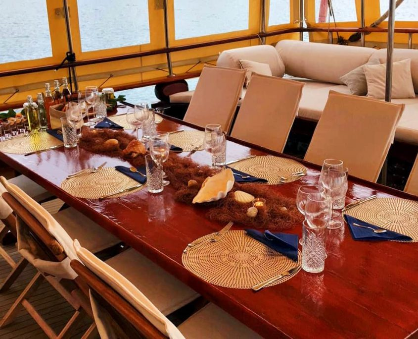 ELEGANZA Dining area on Aft deck