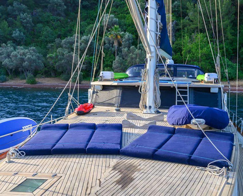 VIVA SHIRA Sun deck