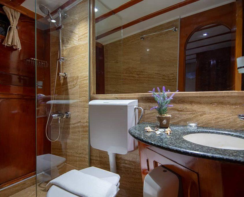 ELEGANZA Bathroom