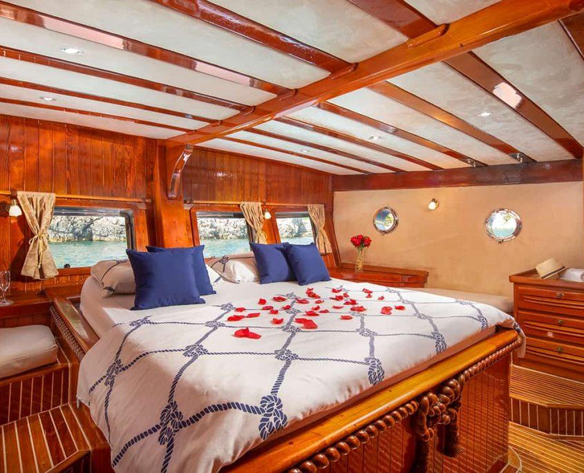 ELEGANZA Master cabin
