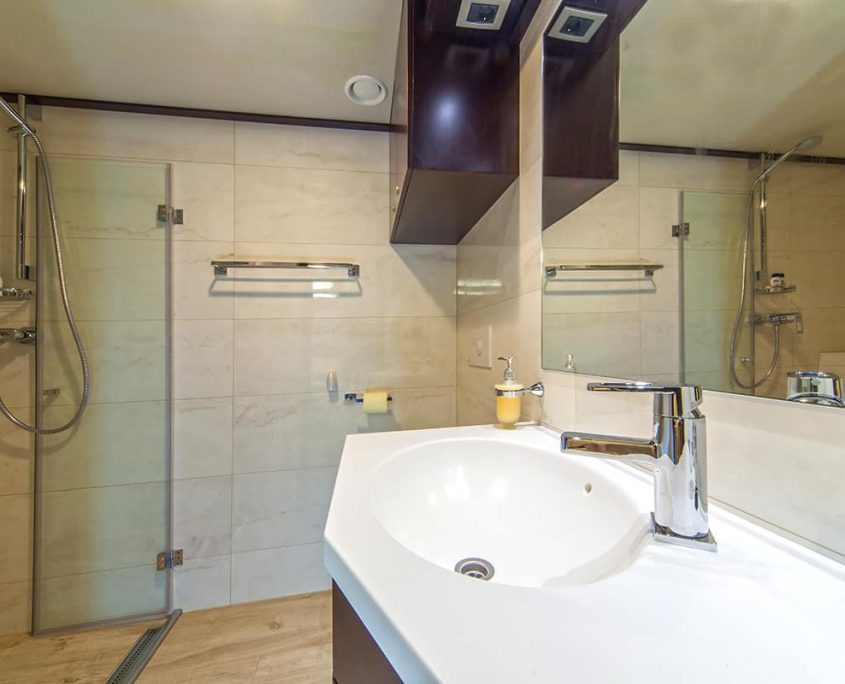 NAVILUX Bathroom